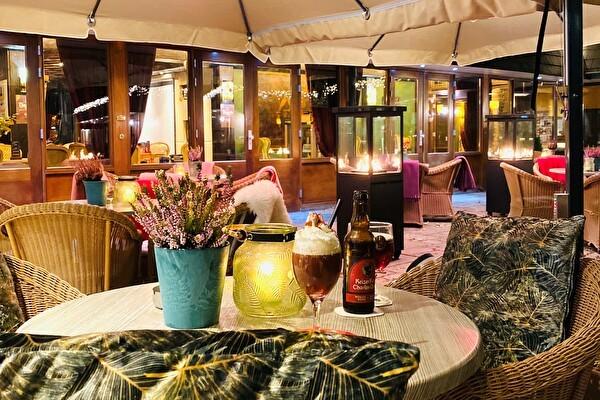 Binnenzwembad Hotel Valkenburg Schaepkens